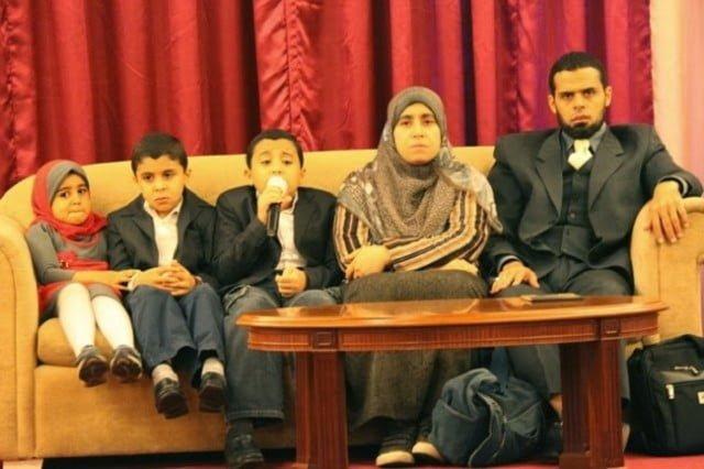 dr-kamil-dan-dr-rasya-bersama-3-anak tahfiz termuda di dunia