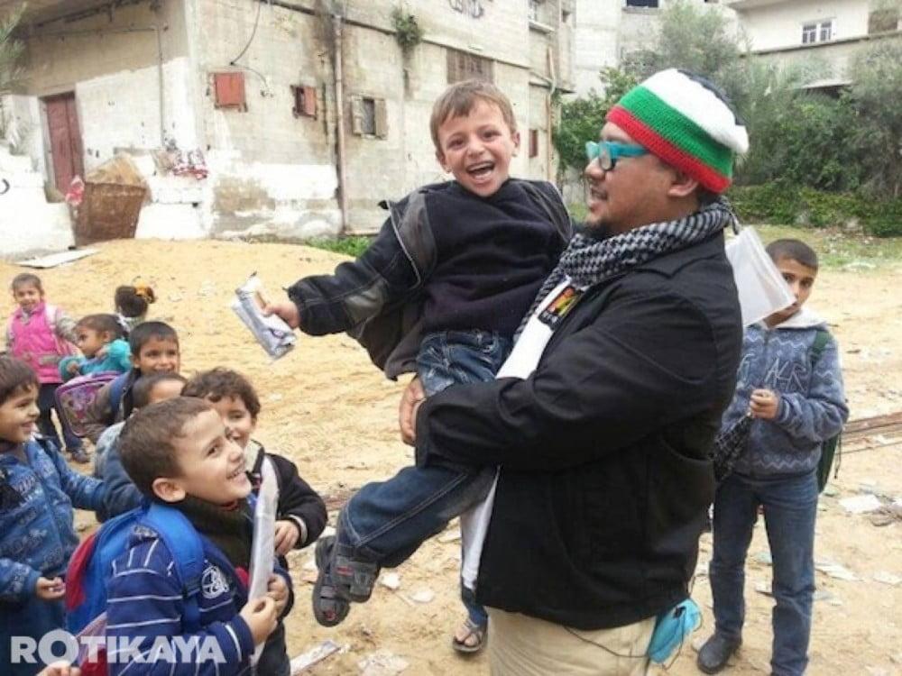 12-Gambar-Afdlin-Shauki-Bront-Palarae-Zain-Saidin-Selamat-Tiba-Di-Gaza-ROTIKAYA-1000x750